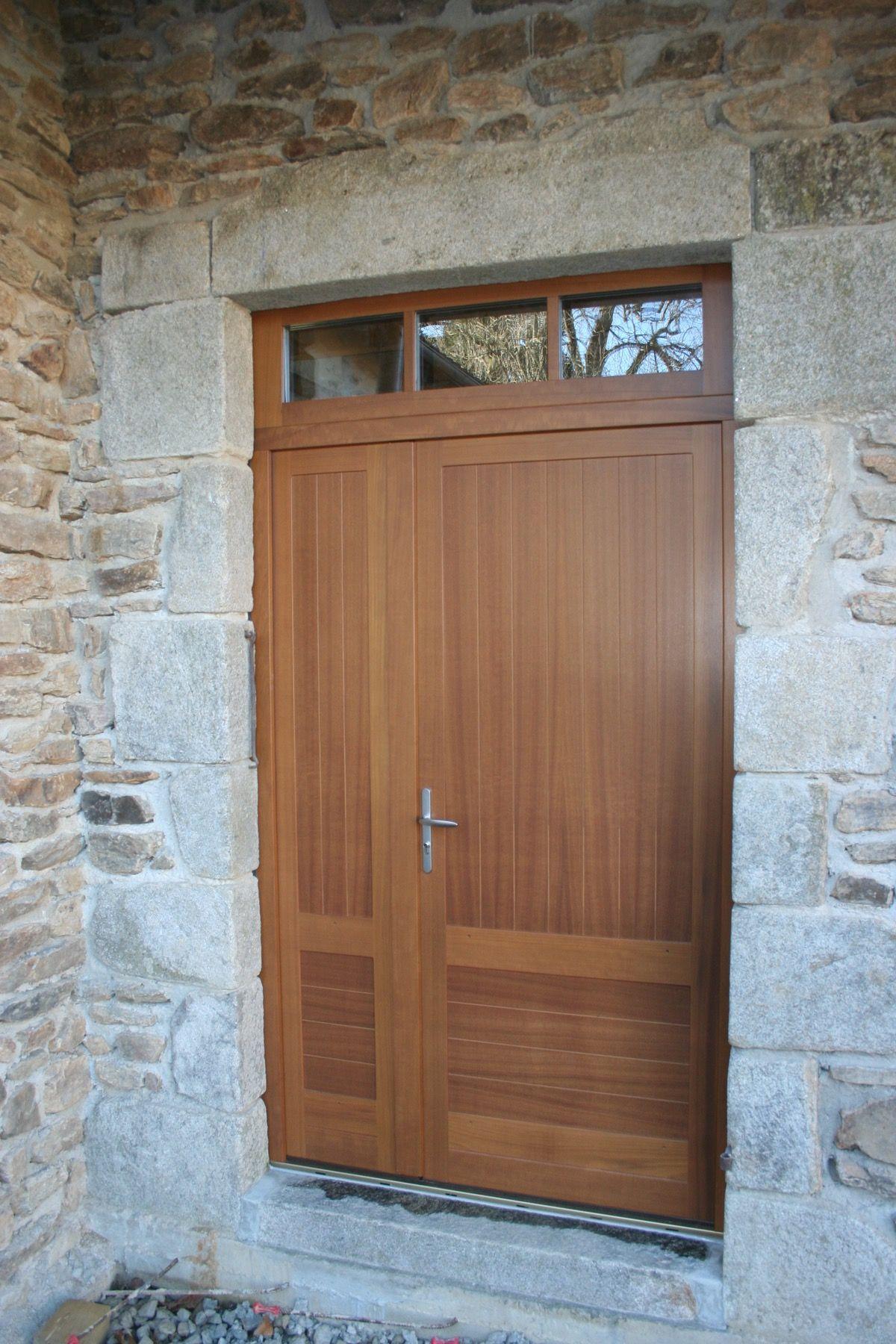 Porte en bois brut