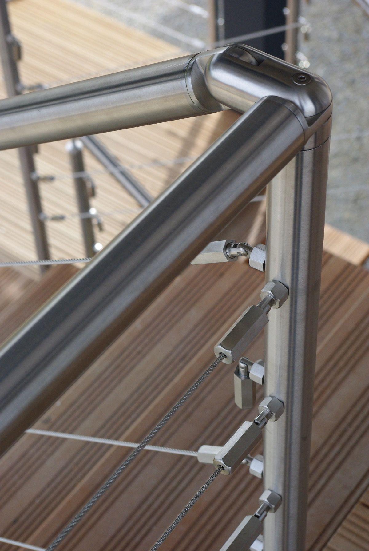Armature rambarde d'escalier